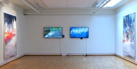 ÅPNING: Jeremy Welsh og Jon Arne Mogstad er begge virksomme internasjonalt og i Norge siden 80-tallet, og har samarbeidet i ulike former siden 2006. Lørdag er det åpning av utstilling med de to i Kallastuå i Surnadal.