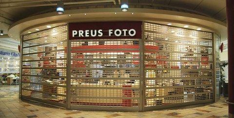 40 BUTIKKER: Preus-kjeden besto på det beste av 40 fotoforretninger, som denne på Sjøsiden i Horten.