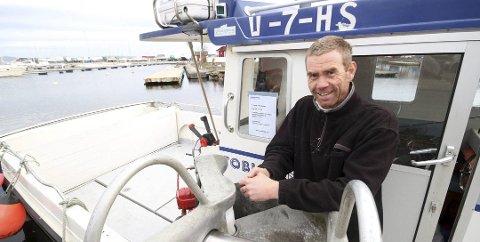 FORTVILER: Kjetil Andersen er en av få yrkesfiskere igjen i Holmestrand, og forteller torskefiskeforbudet fra Fiskeridirektoratet vil gjøre ham arbeidsledig.
