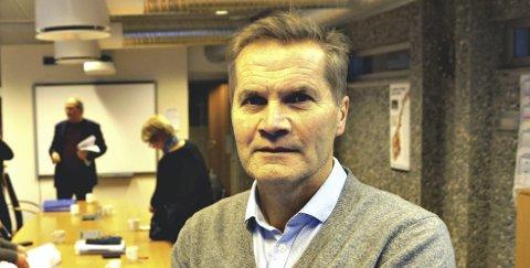 Ble mange: Avtroppende Nesset-ordfører Rolf Jonas Hrulen får selskap av mange sambygdinger i nye Molde kommunestyre.Arkiv