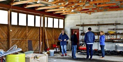 Mye plass: Lager? Verksteder? Her er plass nok. Bygningene er nedslitt, og kommunen må bruke noen millioner på oppgradering.