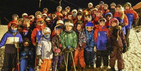STOR GJENG: 50 av de 60 alpinistene i Krødsherad IL på trening på Norefjell – i liten kuling. For få år siden var KIL bare den femte største alpinklubben – etter Geilo, Hemsedal og to                                                  klubber i Drammen.
