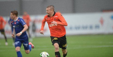 Erik Huseklepp og Åsane kjem til Florø søndag. Då er det duka for kampen om Vestlandet.