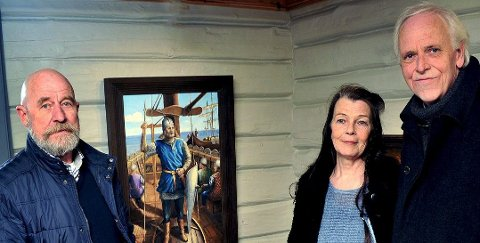 Ny utstilling på Soli Brug: Johan Svensen (til venstre) fra Fredrikstad har i mange år vært elev hos Elisabeth Gyllensten og Geir Stahl. Nå stiller han ut på Soli Brug.Foto: Jarl M. Andersen