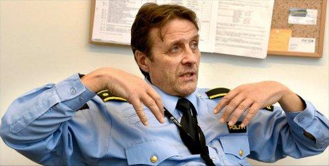 TATT: Kriminalsjef Niels Lund kan fortelle at de smuglersiktede polakkene forsvant i alle retninger da politi- og tolltjenestemenn dukket opp på industriområdet på Hafslund. Samtlige ble likevel pågrepet.
