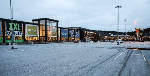 Koronastille på p-plassen utenfor Nordby Shopping Center