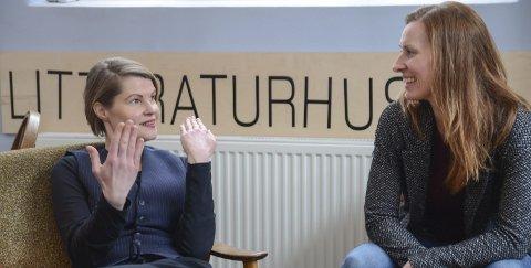 Sentralshow: Har premiere på Litteraturhuset 15 februar. Vertinner er Gro Tyssedalstveit Kollbotn (39) og Gry Folkvord (40), som lovar å by på seg sjølve og utfordra gjestene.Foto: Kristin Eide
