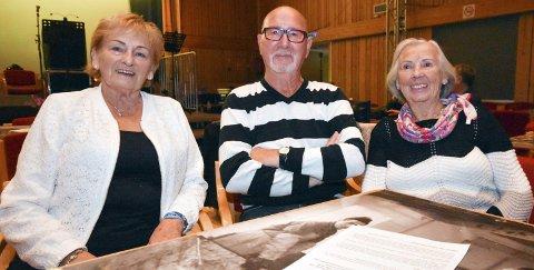 TROFASTE GJESTER: Hvert eneste år deltar denne trioen under Sommer i Berlevåg (SiB). Da tar de en hel uke på stedet de fortsatt har så kjær. Fra venstre Anne Mari Arvola (82), Rolle Johannessen (83) og Ingrid Ellila Bodin (87).alle foto: alf helge jensen