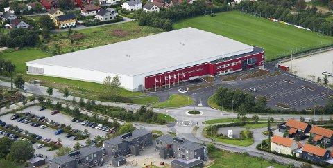 SLIK KAN EN NY STORHALL SE UT: Sandneshallen, som ble tatt i bruk i 2011, er modell for en ny storhall i Kongsberg.foto: FREDRIK REFVEM/Stavanger Aftenblad