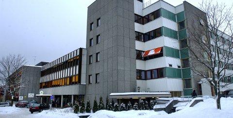 SYKT: Sykehuset i Hamar ble rammet av Korona, nå åpnes det igjen.