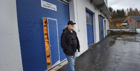 PENSJONIST: Størk Hansen er klar for pensjonisttilværelsen. Nå vurderer han å skrive bok om sine 46 år ved Hunton Fiber, hvorav 43 år som tillitsvalgt og 31 år som medlem av bedriftsstyret.Foto: Brynjar Eidstuen