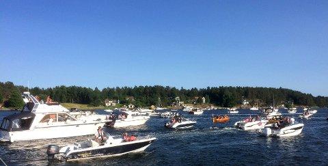 Det blir nok mye trafikk på sjøen i år også. Dette bildet ble tatt i forbindelse med kortesjen på sankthans i fjor, som ikke ble koronaavlyst.
