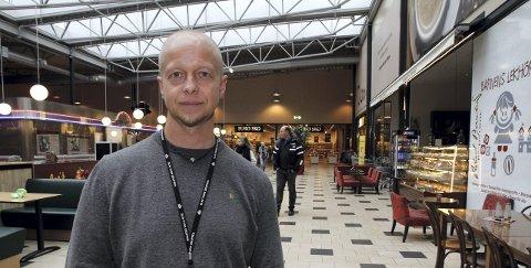 Fra Årnes til Sverige: Tore Paulsen fra Årnes er driftsleder ved Charlottenbergs Shoppingcenter. Foto: Linda Ingier