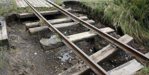 Stengt: Kilometeren mellom Bingsfoss-Fossum vil forbli stengt i lang tid som følge av utglidningene.Foto Espen Børrestuen