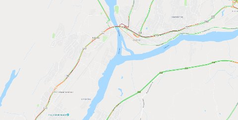 Google registrerer trafikken og dette kartet viser at det er betydelig køer på 109-veien. Rød indikerer stopp eller saktegående trafikk.