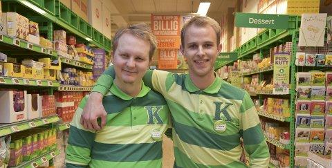 Fikk sjansen: Lennart Myhre (t.v.) og butikksjef Sondre Borvik Skansen.