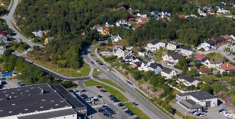 Det var i området ved denne svingen på riksvei 70 på Nordlandet at kristiansunderen ønsket seg 40-sone. Bildet er tatt i august 2020.