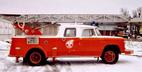 I GAMLE DAGER: Slik så brannbilen ut da den var i bruk.