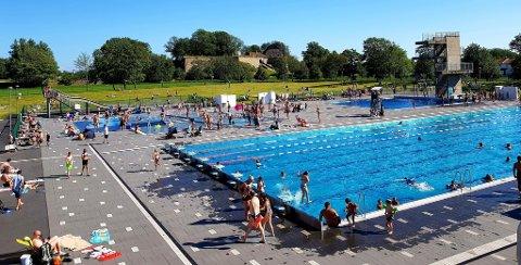 PÅ VENT: Det er ikke bestemt når du kan legge ut på svøm i dette bassenget
