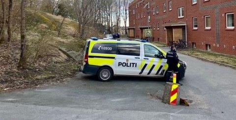 Politiet, brannvesenet og ambulanse rykket ut til en bolig på Torp onsdag morgen.