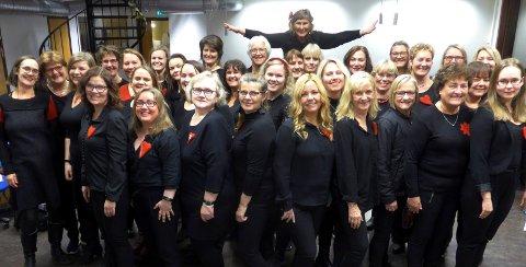«Kor Arti» har 10-årsjubileum og har flere konserter. Førstkommende søndag er de gjestekor i Narvik kirke.