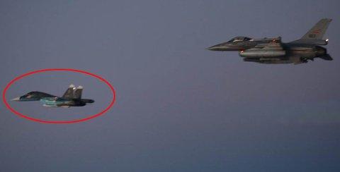 Bildet er tatt fra et F-16 fra Bodø. Kun én gang er det russiske kampflyet identifisert. Foto: Forsvaret