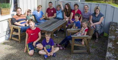 GLADE: Halden Røde Kors står for Latvia-hjelpen som nå arrangerer en årlig ferietur for latviske barn på Bøkevangen på Prestebakke. Alle foto: Sara Helen Engmo