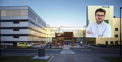 Bjørn Hødal forteller at koronasituasjonen har stabilisert seg de siste dagene, men sykehuset er usikker på hva som kommer.