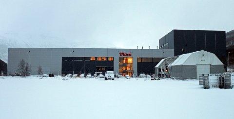 PÅGREPET PÅ JOBB: Siktede ble pågrepet på fabrikken på Nordkjosbotn.