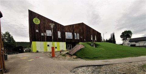 TO SMITTET: Av de tre nye smittede i Kongsberg siste døgn, er to tilknyttet Dampsaga barnehage.