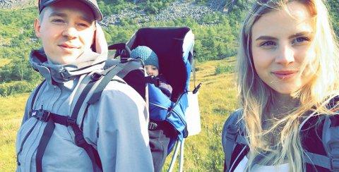 PÅ FLYTTEFOT: Andrea og Karstein Lysvold fra Svolvær drømmer om å leie eller kjøpe et småbruk i Steinkjer eller omegn.