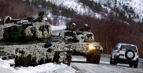 De gamle Leopard-stridsvognene blir ikke modernisert. Regjeringen starter i stedet opp et anskaffelsesprosjekt for helt nye stridsvogner. Foto: Ola Solvang