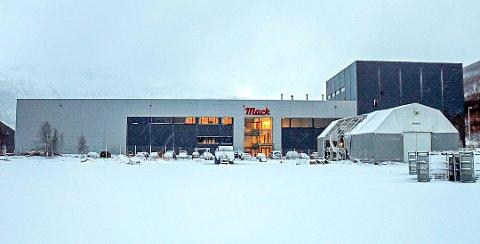 PÅGREPET PÅ JOBB: Siktede ble pågrepet på fabrikken på Nordkjosbotn tirsdag forrige uke. Foto: Torkil Emberland