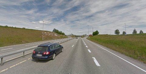 BESLAGLAGT: Fire førere fikk førerkortet beslaglagt langs E16 mellom Kløfta og Nybakk mandag ettermiddag.
