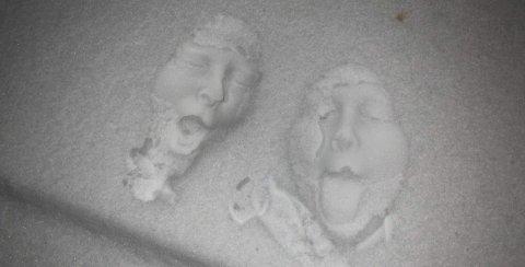SNØPORTRETT: Har du laget portrett i snøen? Her kan du få oppskriften.