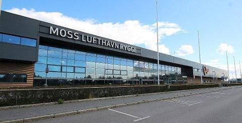 Erlend Wiborg, stortingsrepresentant for Frp, mener det er viktig å få i gang virksomhet på Moss Lufthavn Rygge igjen. (Foto: Jon Gran)