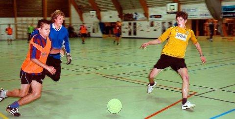 ROMJULSCUPEN: Dette året blir det Romjulscup igjen. Dette bildet av Trond Rossemyr, Thomas Mæle og Øyvind Alsvik er fra Romjulscupen i 2009.