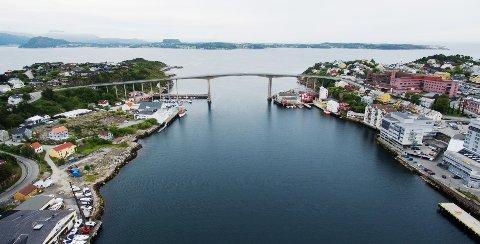 Sjøkabelen er planlagt med ilandføringspunkt ved Batterihammaren i Kristiansund, rett vest for sykehuset. Derfra skal den gå videre gjennom havnebassenget, ut Markussundet og via Bremsnesfjorden ut mot Batnfjord. Det er denne strekningen lokale fiskere reagerer mest på.