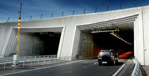 STENGT: Frodeåstunnelen må stenge flere netter i løpet av august.