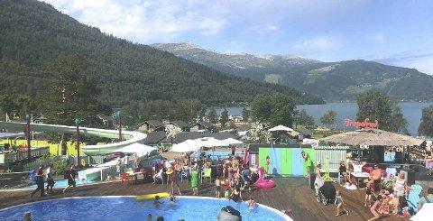 Mikkelparken, som er Hordalands eneste fornøyelsespark, har attraksjoner tilpasset de minste. – Bading er kjempepopulært, men også biler og båter, sier markedssjef Lars Instanes.