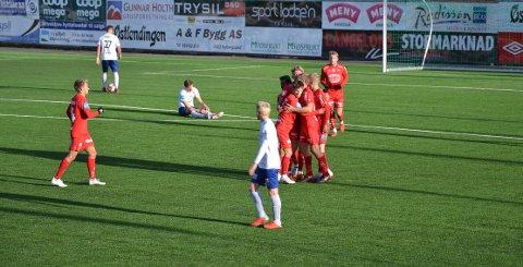 JUBEL I TRYSIL: Joona Veteli har nettopp sendt FFK i ledelsen på Nybergsund. FFK så seg aldri tilbake etter scoringen.