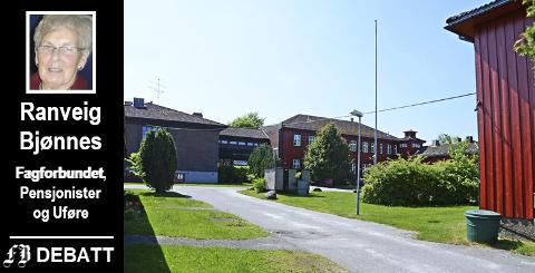 Ranveig Bjønnes protesterer mot nedleggelsen av Emil Mørchs Minne på vegne av Fagforbundet Fredrikstad Pensjonister og Uføre. Helse, og velferdsutvalget i Fredrikstad behandler saken onsdag.