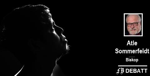 Ensom i mørkets landskap:  – Fortellingen om Jesus bringer oss helt ned og inn til menneskets aller mørkeste erfaringer. Derfor hviler det et dypt alvor over denne uken vi nå er inne i, skriver biskop Sommerfeldt.