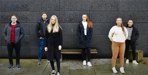 Fra venstre: Stian Lund, John Ove Sandhåland, Wenche Elise Grindhaug, Gabrielle Leah Dickson, June Økland Davidsen og Oda Eide Arnesen er ikke fornøyd med med VID vitenskapelige høyskole.