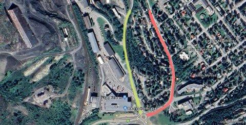 VIL FLYTTE E6: I dag er E6 i Kirkenes anlagt gjennom Solheimsveien, som er markert i rødt. Rådmannen i Sør-Varanger kommune foreslår nå å flytte hele veien til Verksbakken, veien som er markert med gult.