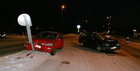 Fra ulykken i Storeidkrysset 3. desember 2008 da to biler med tilsammen fem personer i kolliderte.