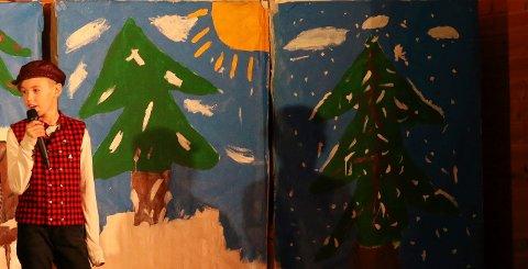 JULEKLONK: Mikael fra femteklasse var imponerende i framføringen av juleklonken.