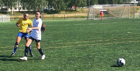 Tora Venes Mathisen og Rana FK kjempet godt, men tapte 0-1 i første kamp i Umeå.