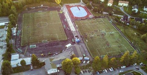 Stridens kjerne: Rolvsrud stadion skal trolig ikke se slik ut om noen år. Men politikerne er fortsatt ikke enige om sentrale løsninger rundt Lørenskog-anlegget som også skal omkranses av store leiligheter. Foto: Vidar Sandnes
