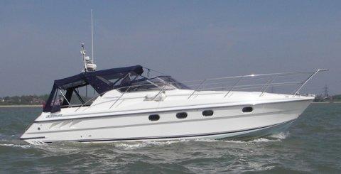 Flott båt: Det var en Fairline Targa som Hobøl-mannen kjøpte oppe på Romerike. Illustrasjonsfoto.